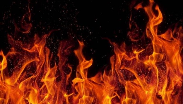 10 серпня до поліції надійшло повідомлення про те, що у с. Вільхівці-Лази невідома особа підпалила господарську прибудову.