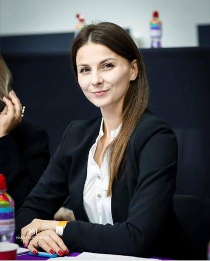 Марина Семенюк - заслужена тренерка України.