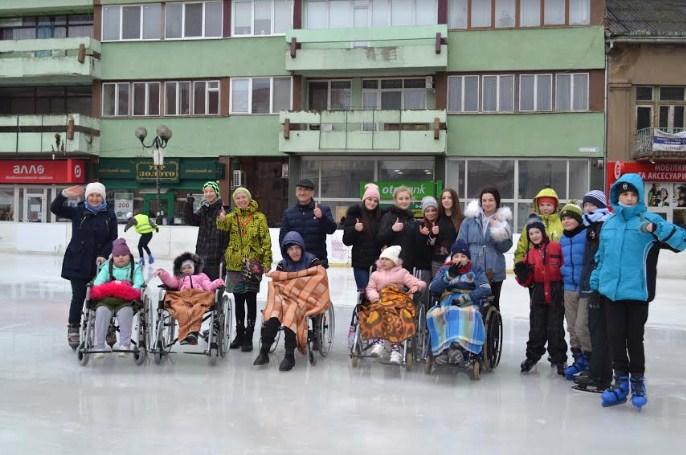 Берегівська Районна Мальтійська Служба Допомоги за останні тижні  два рази організувала катання на ковзанах, за підтримки ковзанки Ice Land, що розташовується в центрі Берегова.