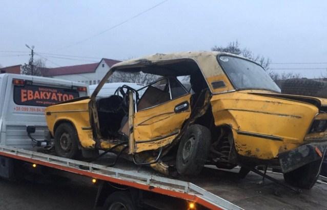 Дорожньо-транспортна пригода трапилася 21 грудня в селі Підвиноградів.