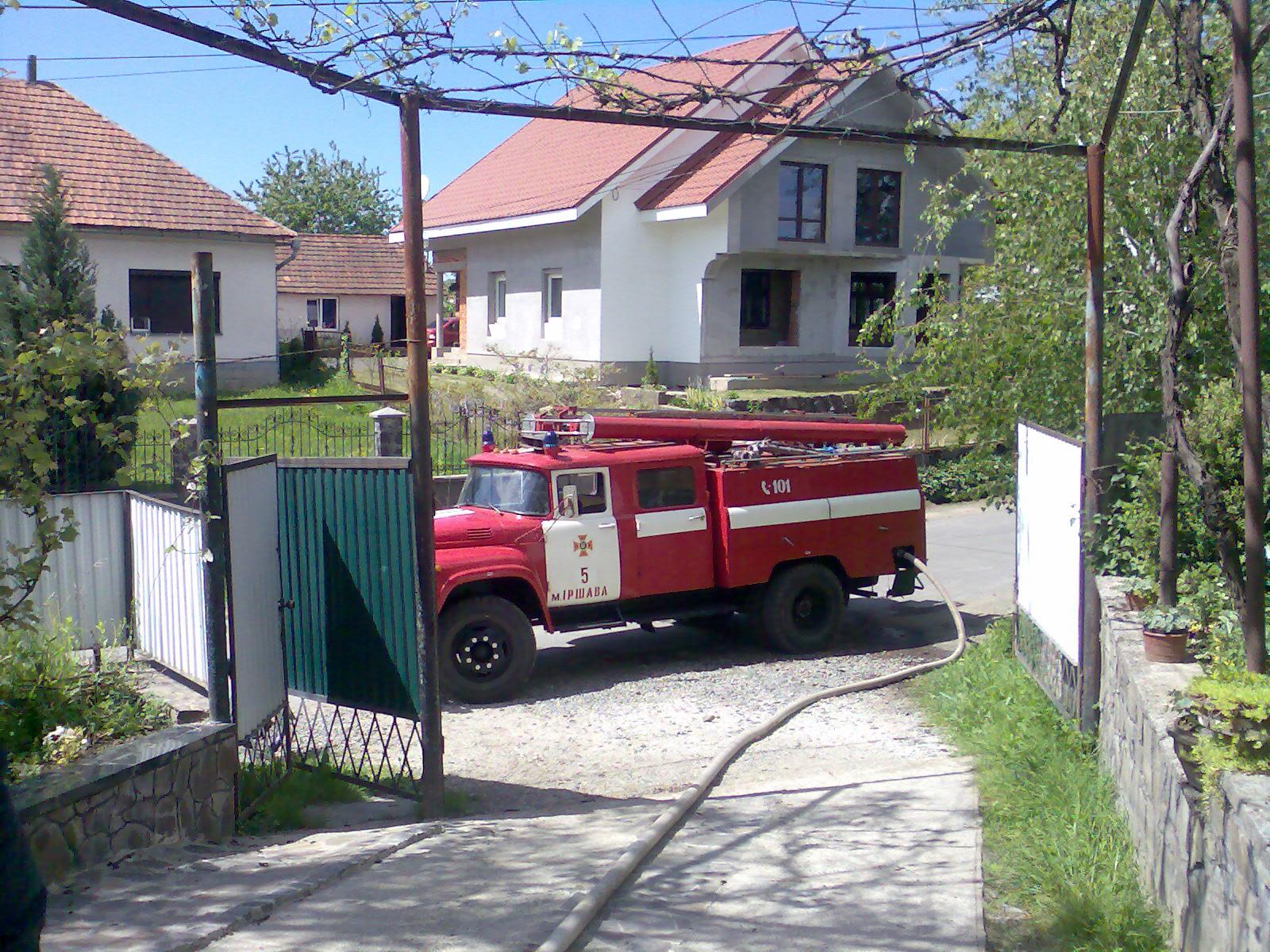 Закарпатськими рятувальниками ліквідовано дві пожежі у господарчих спорудах.