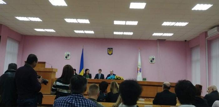Представляв нового голову колективу Виноградівської РДА особисто голова Закарпатської ОДА Ігор Бондаренко.