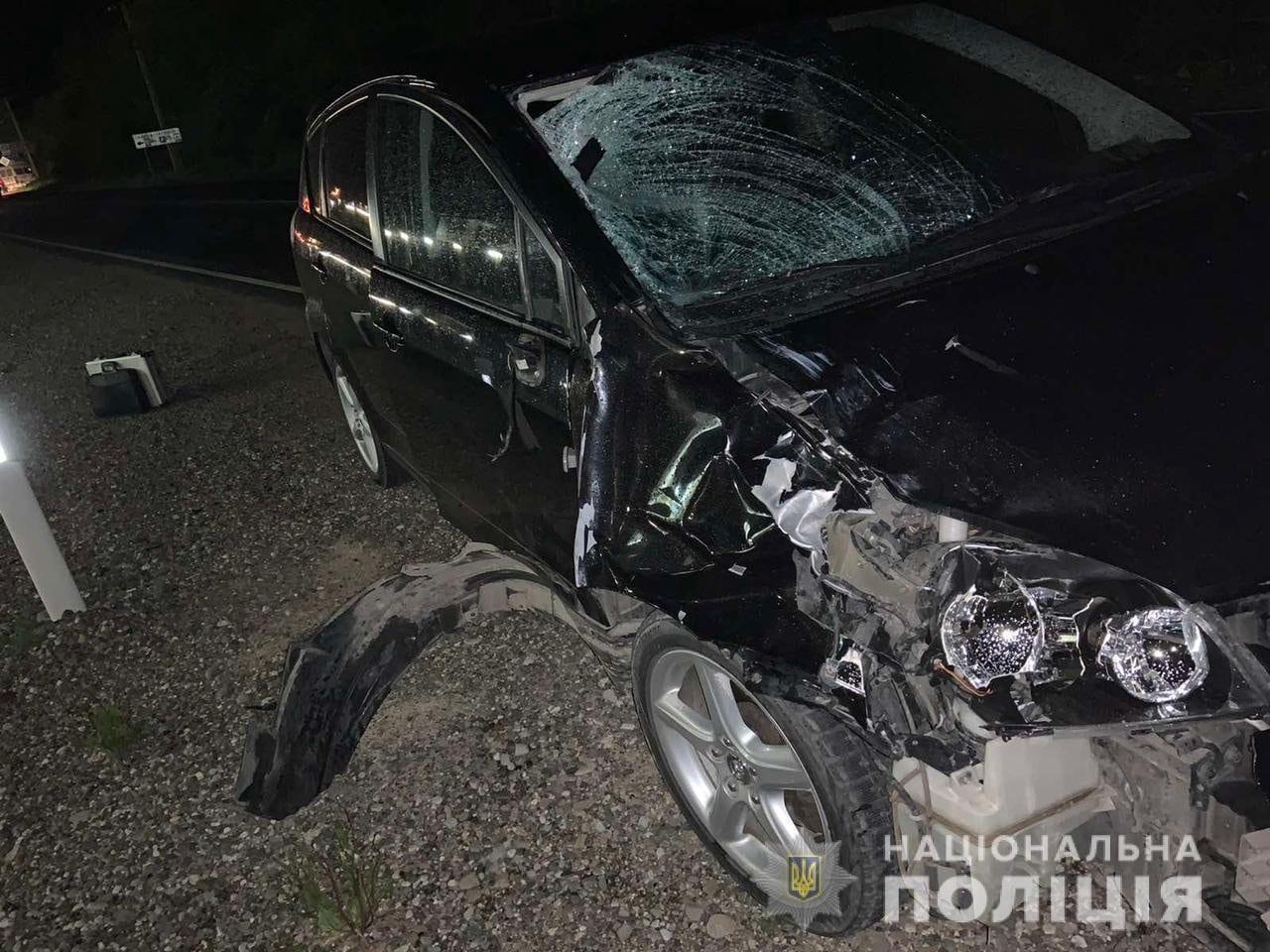 У місті Виноградові водій легковика допустив наїзд на пішохода. У результаті отриманих травм потерпілий загинув на місці події. За фактом автопригоди слідчі поліції відкрили кримінальне провадження.