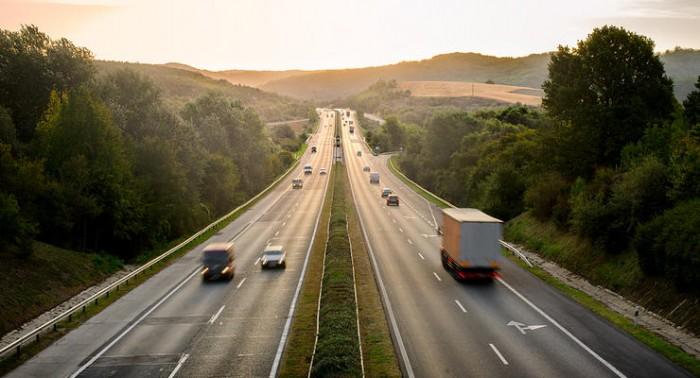 В Украине планируется взимать плату за проезд по дорогам общего пользования, но пока не все.