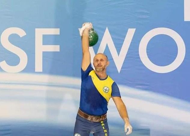 На Чемпіонаті світу з гирьового спорту за версією World Kettlebell Sport Federation (WKSF) в Італії українці посіли друге загальнокомандне місце.