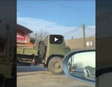 На Тячівщині вантажівка протаранила електроопору: з