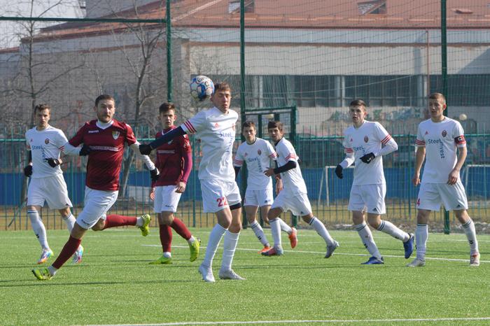 Основна команда МФА, яка минулого тижня припинила свої виступи в зимовій першості Закарпаття зіграла спаринг з друголіговим ФК «Ужгород»