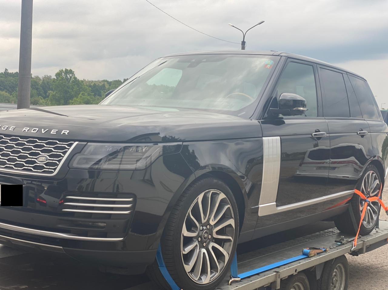 Автомобиль Land Rover, угнанный в Сербии в 2020 году, был обнаружен вчера вечером пограничниками отряда Мукачево на пограничном пункте Лужанка.