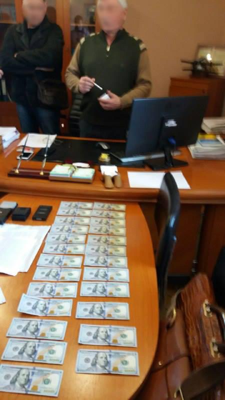 Вищий антикорупційний суд визнав винним у хабарництві суддю Малиновського суду Одеси та призначив покарання у вигляді 7 років позбавлення волі.