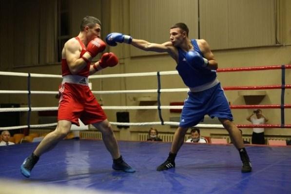 Майже 80 спортсменів з усього Карпатського регіону змагалися на ринзі у Львові. Тут протягом 21 – 24 квітня відбувся зональний чемпіонат України з боксу серед юнаків.