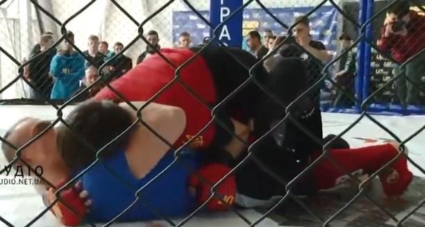 Цими вихідними у Тячеві відбулася важлива спортивна подія – Кубок України зі змішаних бойових мистецтв. Понад 300 учасників із 20 областей виборювали першість у змаганнях.