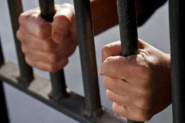 Засуджені – 31-річний ужгородець та 40-річний лучанин – у березні 2007 року, на Волині, за попередньою змовою умисно напали на таксиста.