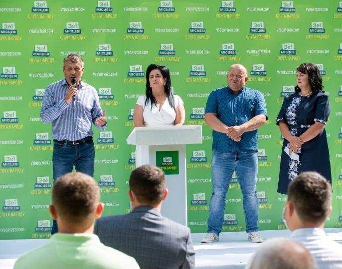 Досвідчений український політик з Виноградова Іван Бушко претендує бути очільником Виноградівської ОТГ.