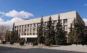 В Ужгороді розпочалася сесія міської ради.