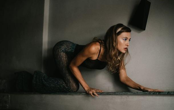 Єва Бушміна напередодні виходу міні-альбому Drunk Promises активно ділилася відвертими знімками.