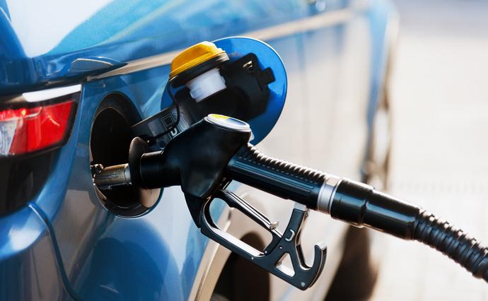 Мережі АЗС 25 лютого підняли ціни на бензин і дизельне паливо у межах 10 копійок - 1 гривні.