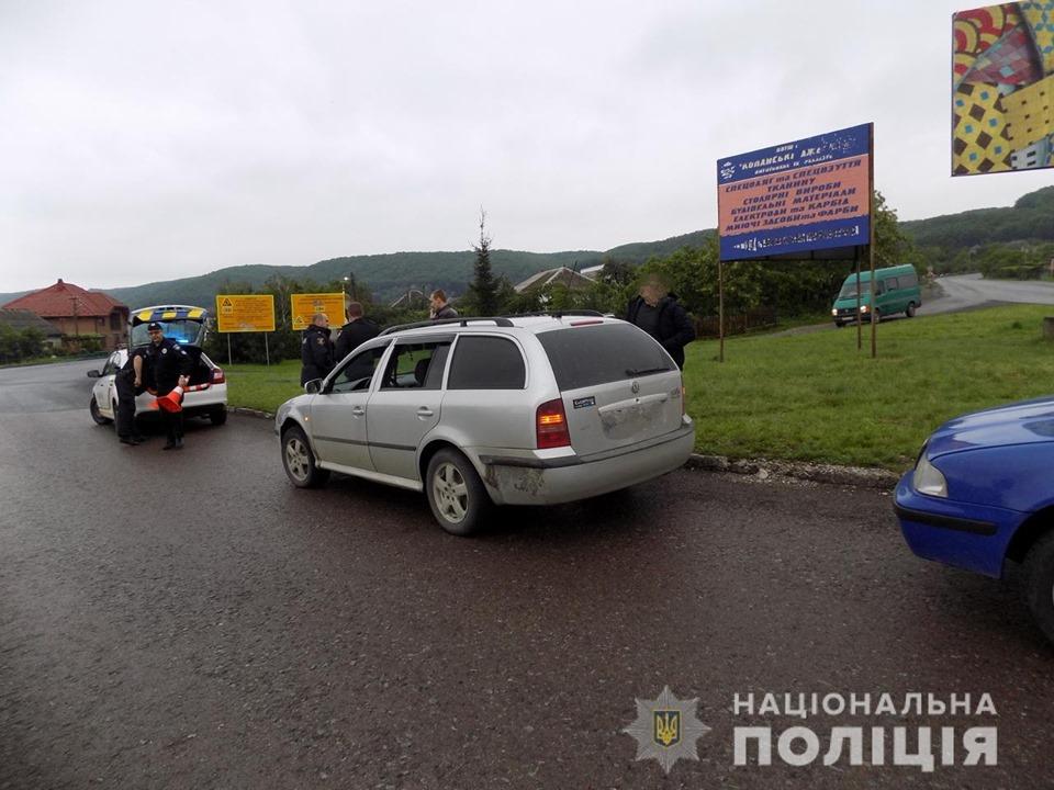 Працівники поліції Хустщини оперативно розшукали двох виноградівців, які проникли в чужий будинок, аби здійснити крадіжку.