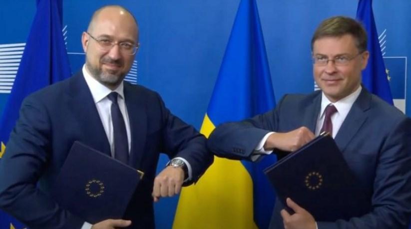 Новий меморандум з ЄС перегукується з тими обіцянками, які влада вже дала МВФ.