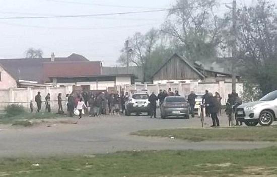 Учора закарпатські ЗМІ поширили інформацію прес-служби Головного управління поліції про масову бійку серед мешканців тамтешнього табору ромів, в якій ніби-то взяли участь понад 40 осіб.