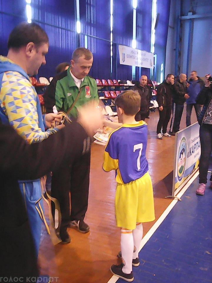 Учні Колочаво-Брадолецької школи вдало виступили у обласних змаганнях з футзалу