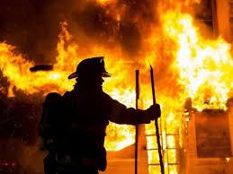 На вулиці Сечені у Берегові сталася пожежа у житловому будинку. На місці події рятувальники виявили виявлено тіло власниці будинку.