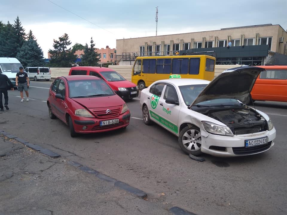 Авария произошла на улице Минайской.