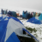 Намети в снігу: рятувальники евакуйовують групу дітей у Карпатах (ФОТО)