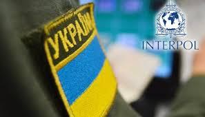 Учора у пункті пропуску «Ужгород» Чопського загону прикордонний наряд затримав 33-річного громадянина Угорщини, який перебуває у міжнародному розшуку за скоєння кримінального злочину.