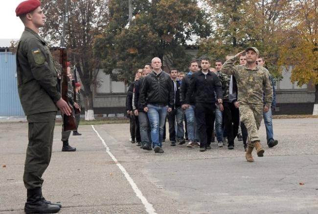 Кабмін вніс зміни в Положення про підготовку і проведення призову громадян України на строкову військову службу та прийняття призовників на військову службу за контрактом.