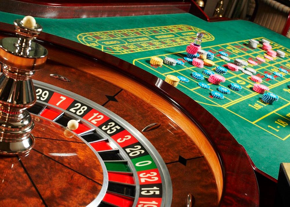 Комісія з регулювання азартних ігор та лотерей ухвалила рішення щодо видачі перших двох ліцензії на провадження діяльності з організації та проведення азартних ігор у наземних казино.