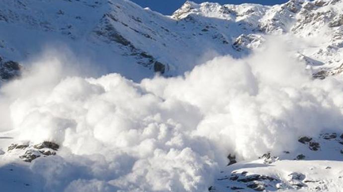 Держслужба з надзвичайних ситуацій попереджає про значну сніголавинну небезпеку на Закарпатті.