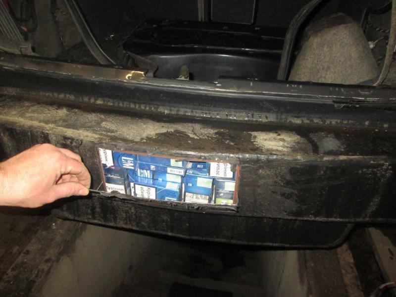 Автомобіль було спеціально переобладнано для перевезення контрабанди.