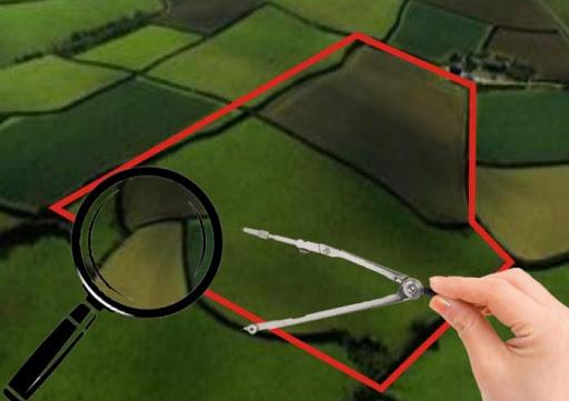 Неправомірна приватизація земель водного фонду шляхом підробки документів.