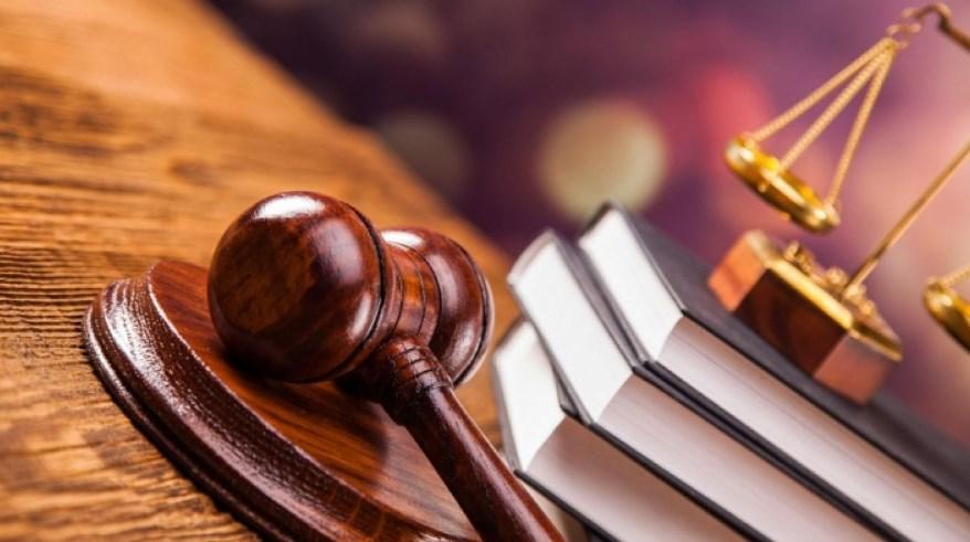 Адвокат вдарив потерпілого у приміщенні Закарпатського апеляційного суду.