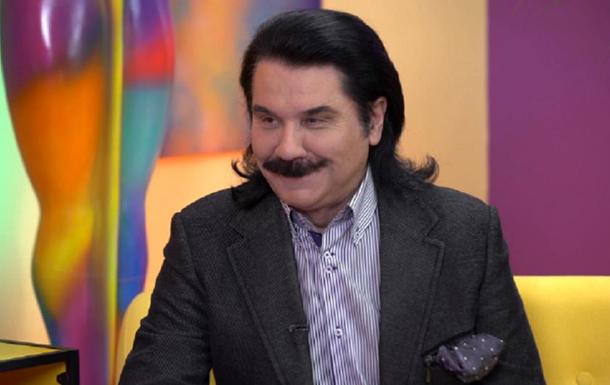 На питання, чи згоден артист за 270 тисяч доларів поголити вуса, Зібров відповів негативно. Однак назвав суму, за яку він готовий розпрощатися з ними.