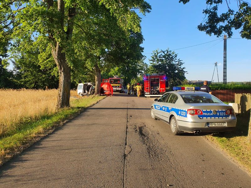 Дорожньо-транспорта пригода трапилася в Поморянському воєводстві в місцевості Лебень, що в Польщі.