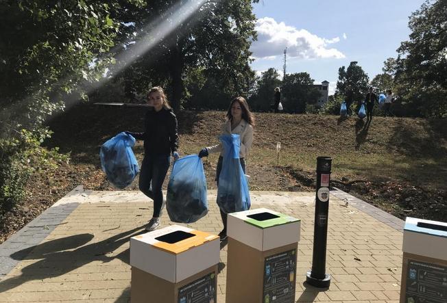 Студентська молодь долучилася до наймасштабнішої у світі акції World Cleanup Day.