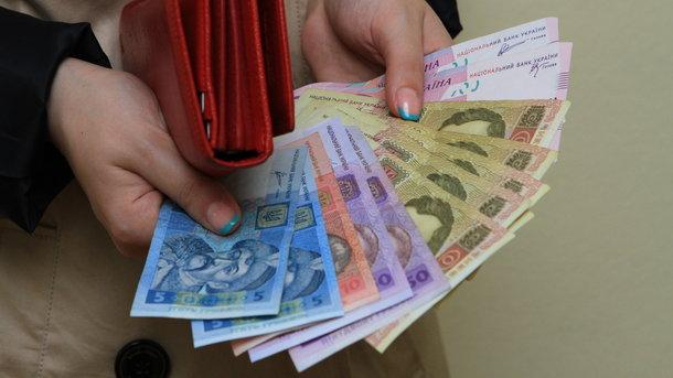 Прикарпатцям боргують понад 31 мільйон гривень зарплати