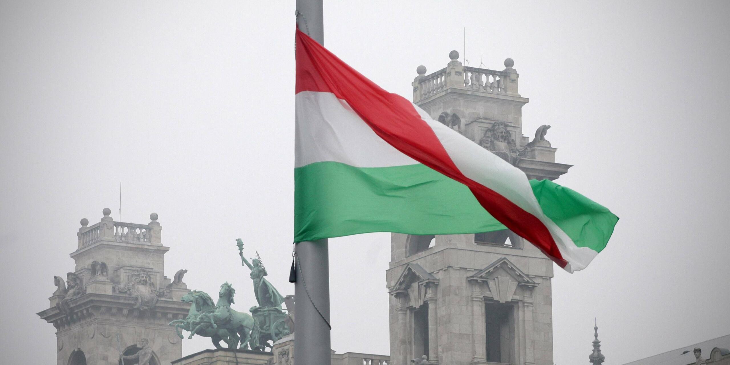 Напередодні в Україну не пустили угорського чиновника, якому заборонили в'їзд місяць тому.