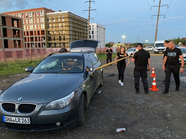 Конфлікт кредитора з боржником закінчився стріляниною з травматичного пістолета, є поранені.