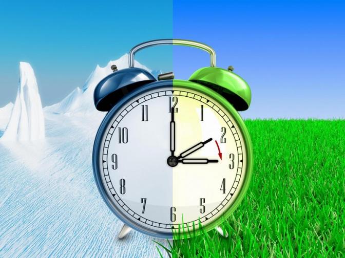 Літній час з переведенням годинників на одну годину назад в Україні скасовується. Цього року Ураїна перейде на зимовий час востаннє.