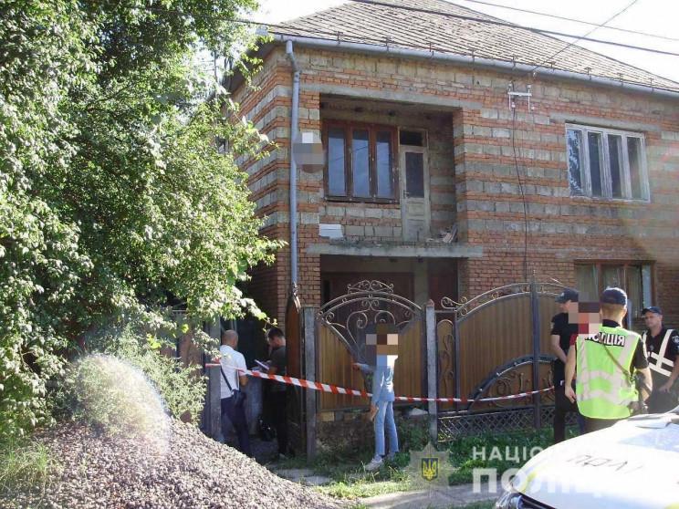Поліцейські Мукачівщини викрили чоловіка, причетного до смертельного побиття жителя району.