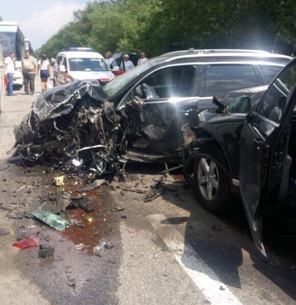 За попередньою інформацією запорізької поліції, пасажири автобусів, в тому числі діти, не постраждали.