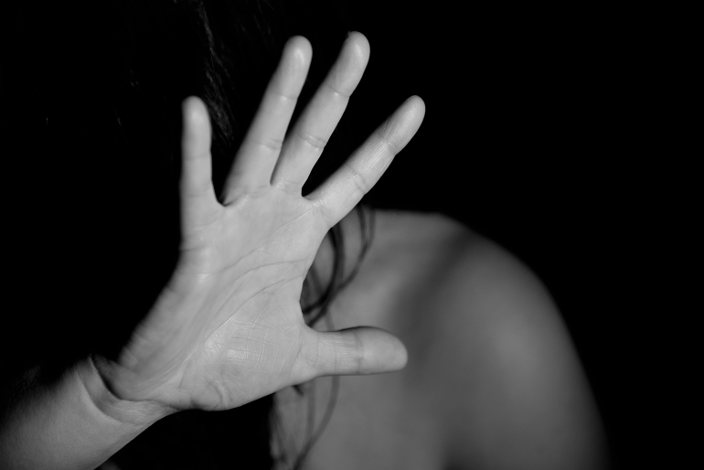 Вчора, 14 вересня, до поліції звернулася 63-річна мешканка одного із районів Закарпаття та повідомила, що її 14-річну внучку зґвалтували.