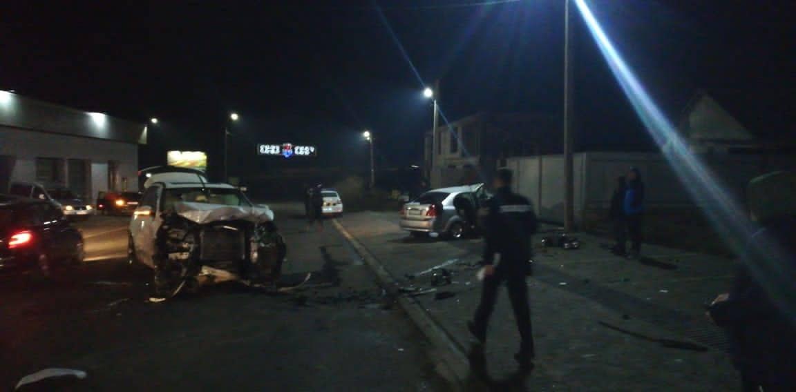 Вчора, 9 грудня, близько 20:30,  до поліції Сваляви надійшло повідомлення про дорожньо-транспортну пригоду за участі двох автомобілів марки «Chevrolet» та «BMW».