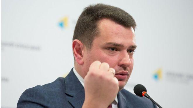 НАБУ відсторонило від роботи двох працівників - це Олег Борисенко і Дмитро Литвиненко.