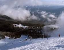 Ясіня засипає снігом: рух транспорту обмежено (ВІДЕО)