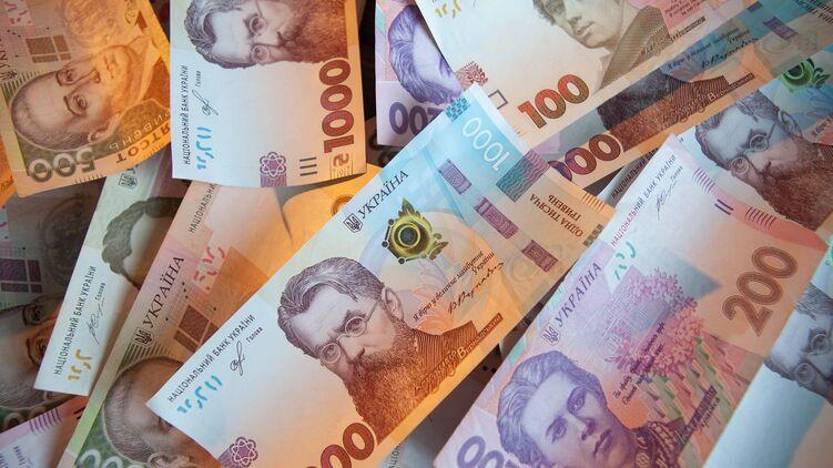 В Україні назріває масштабна бюджетна криза. Простіше кажучи, скарбниця практично порожня, і платити нічим.