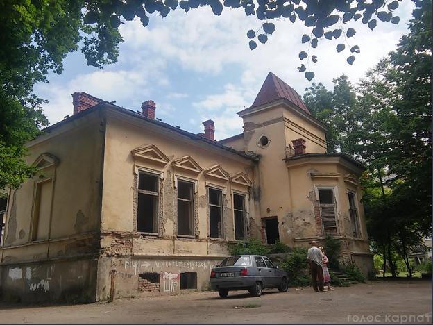 Вчора, 25 червня, депутати Мукачівської міської ради вирішили долю історичної будівлі Палацу Ковнера.