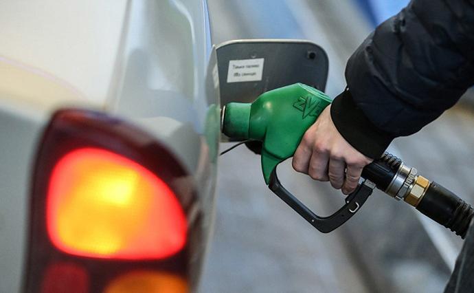 Сети АЗС в период с 19 по 26 февраля подняли цены на бензин и дизельное топливо на 0,3 - 2 гривни за литр.